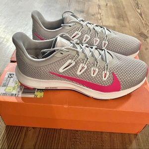 Women's Nike Quest 2 Sneakers